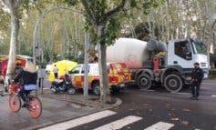 Muere un motorista en Madrid atropellado por un camión hormigonera