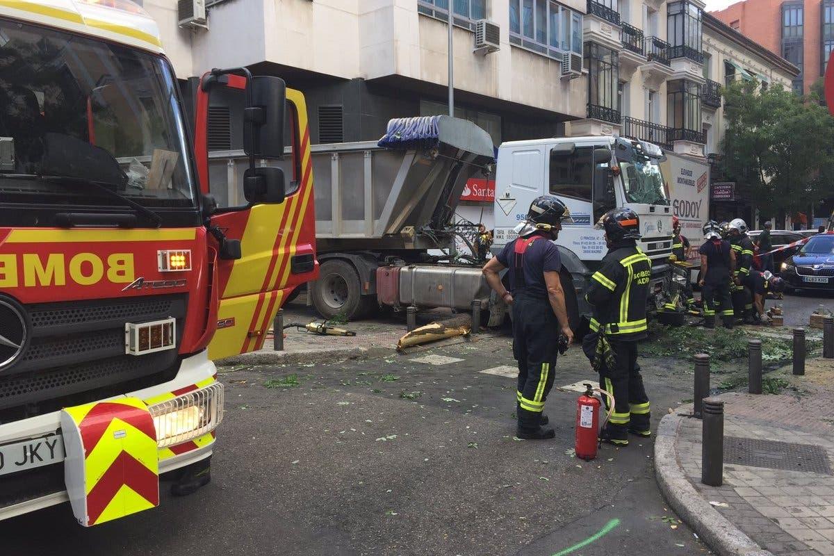 Un camión sin frenos provoca el pánico en Madrid