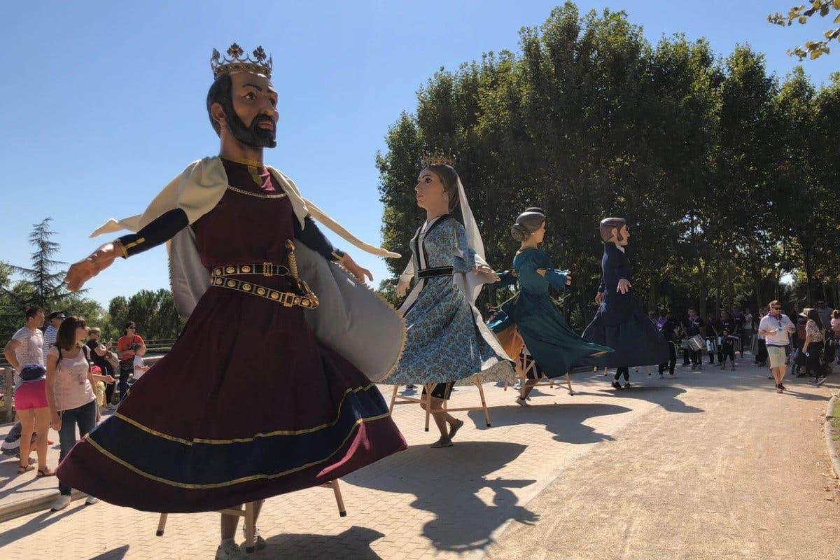 Las calles de Torrejón volverán a llenarse de gigantes llegados de toda España