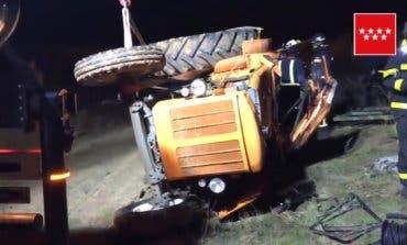 Muere un tractorista al caer por un terraplén entre Sanse y Paracuellos
