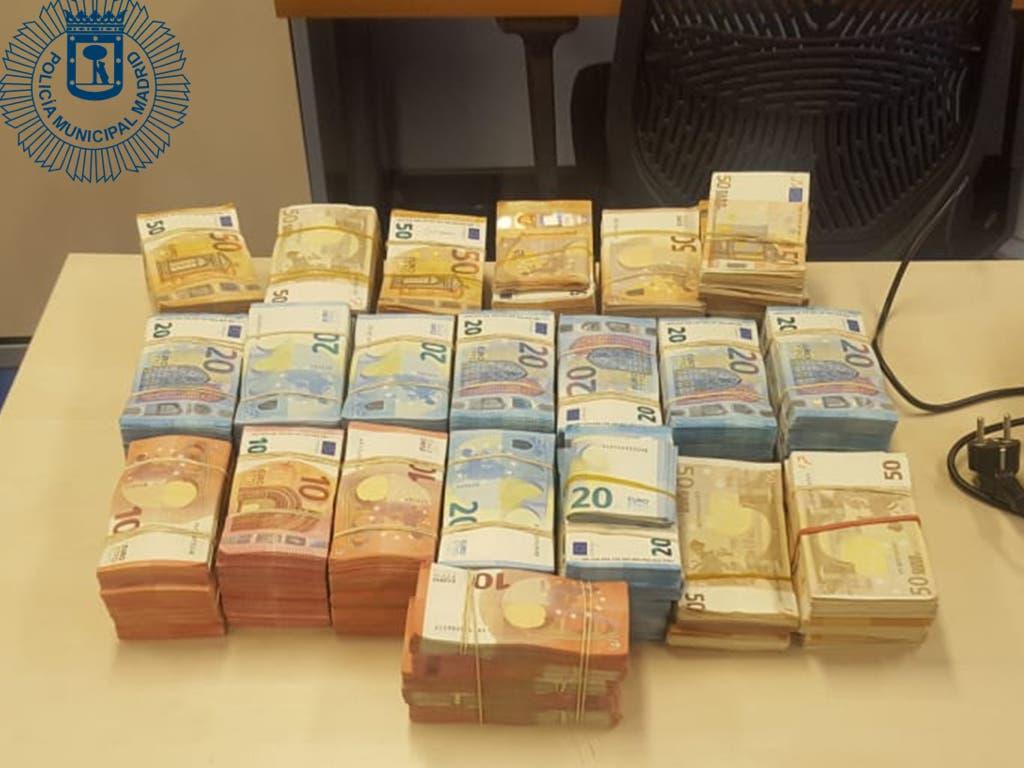 Pillada en Ciudad Lineal una conductora con278.500 euros ocultos en el coche