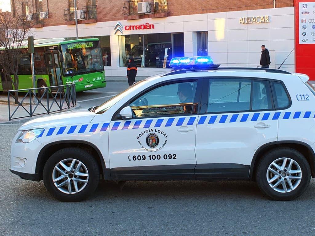 La Policía de Paracuellos multó ayer a 16 padres irresponsables