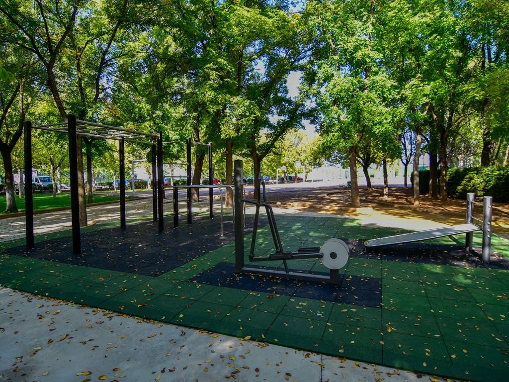 Torrejón estrena street gym y pista de fútbol 7 en Veredillas