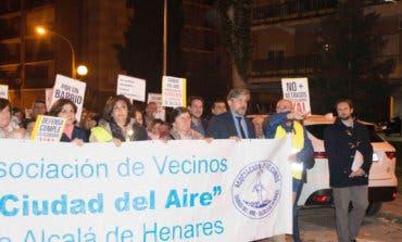 Los vecinos de Ciudad del Aire en Alcalá de Henares, hartos de los cortes de luz
