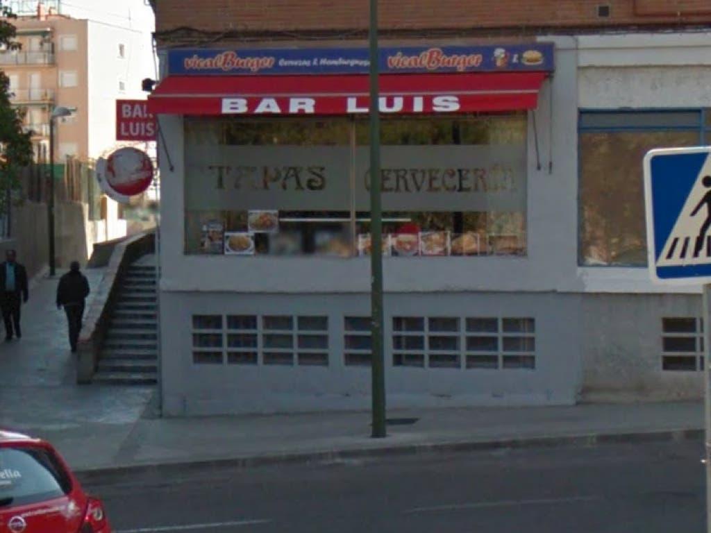 Juzgan al hombre que degolló a un policía en un bar de Vicálvaro