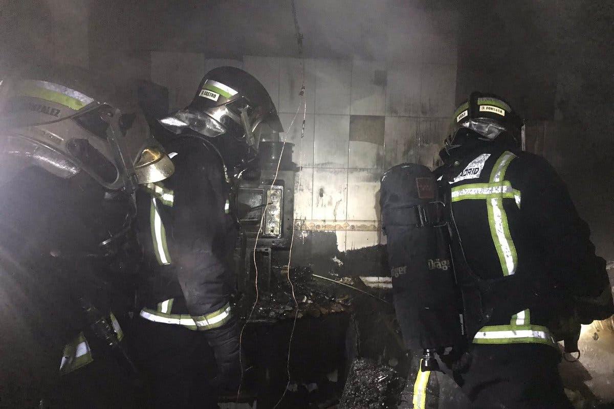 Muere un perro y otro resulta herido en el incendio de un chalé