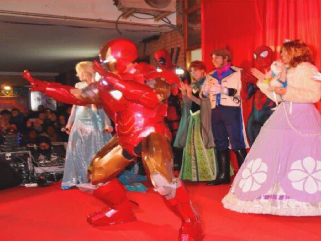 Gran fiesta de Princesas ySuperhéroesen la Plaza Mayor de Torrejón