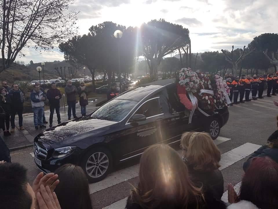 Medio millar de personas despiden a Miriam en Alcalá de Henares