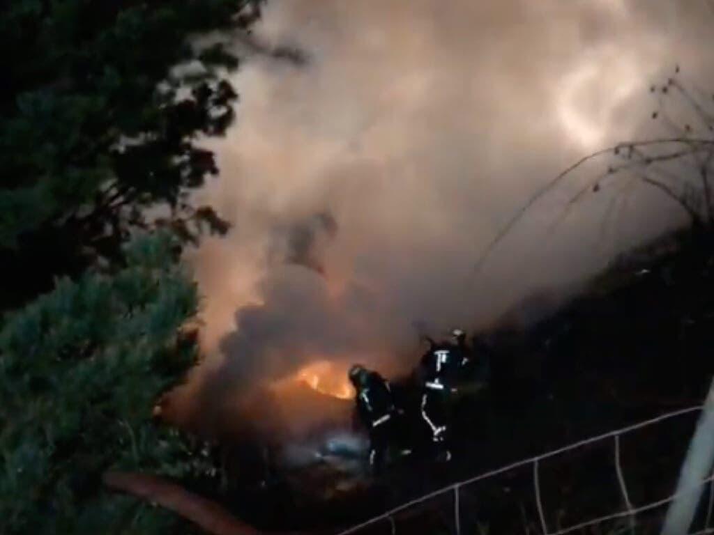 Se incendia un camión cargado de galletas en la A-1
