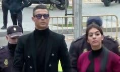 Cristiano Ronaldo hace el paseíllo con Georgina en la Audiencia Provincial de Madrid