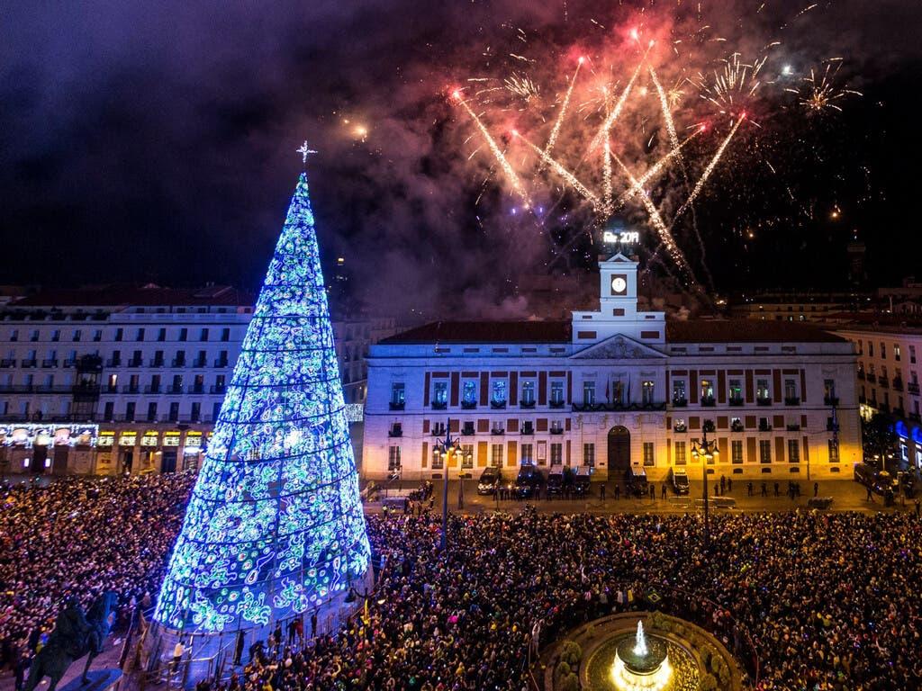 Madrid prohíbe celebrar las campanadas y permite cabalgatas en espacios acotados con público sentado