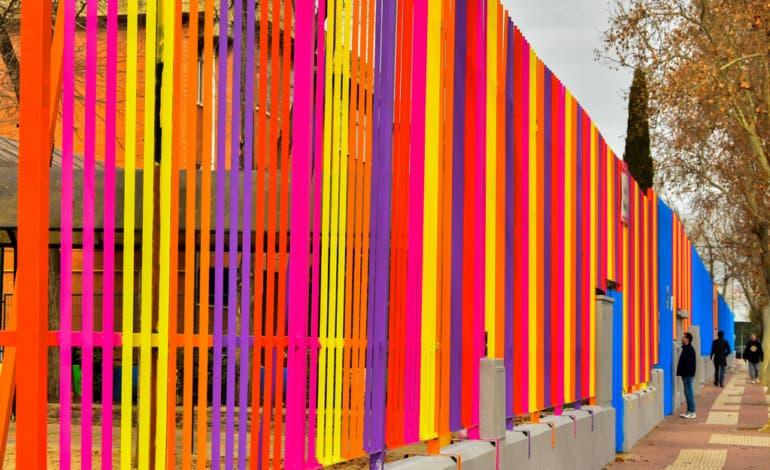 Los colegios públicos de Torrejón estrenan nueva imagen multicolor