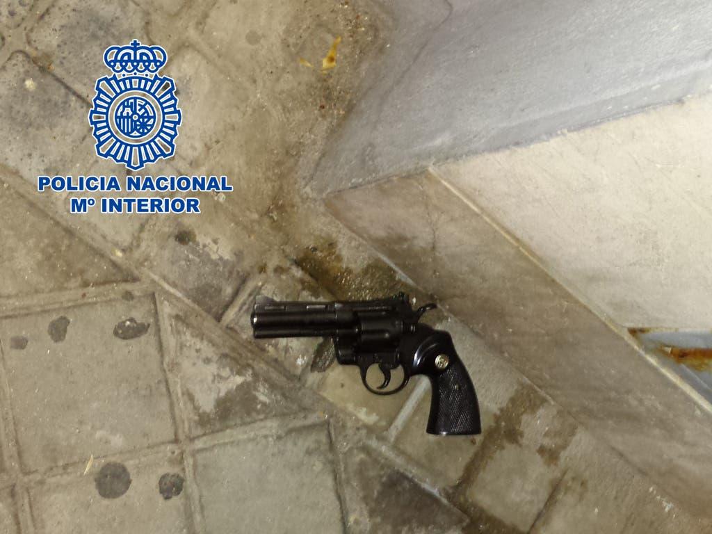 Un policía fuera de servicio detiene a un atracador en Madrid
