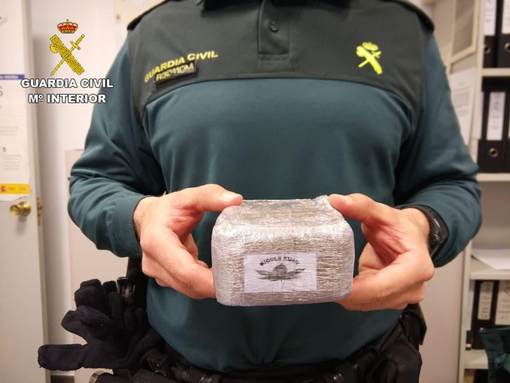 Dos detenidos en Pioz cuando transportaban medio kilo de hachís