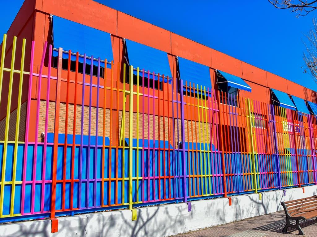 Torrejón instala toldos en todos los colegios públicos de la ciudad