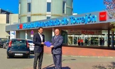 El alcalde traslada al Hospital de Torrejón las mejoras que piden los vecinos