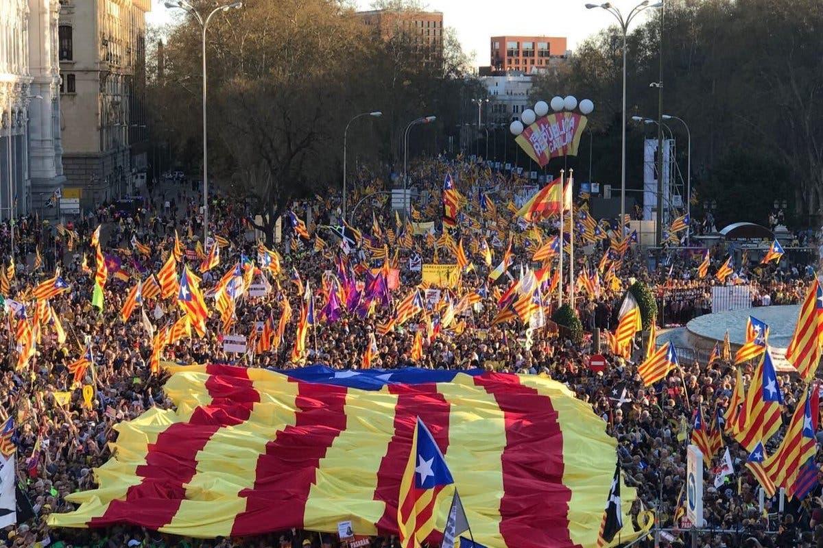 El independentismo llena de esteladas las calles de Madrid