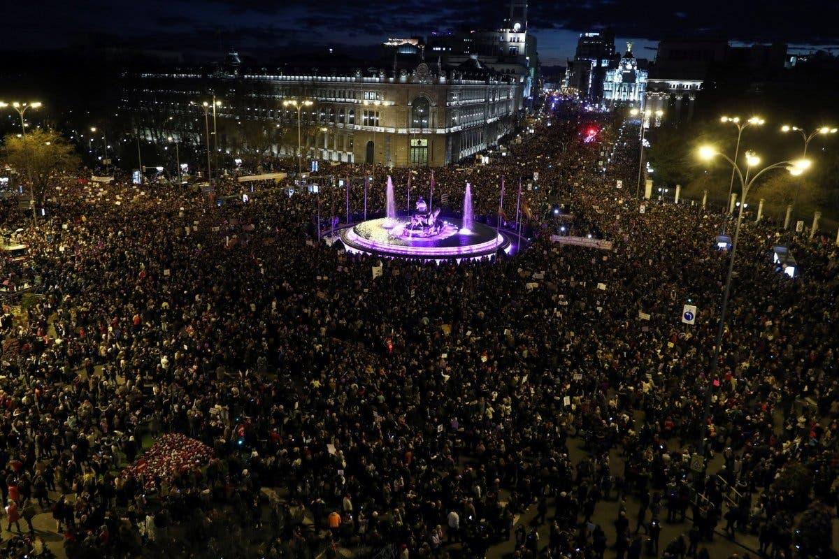 8M: Más de 350.000 personas asisten a la marcha feminista de Madrid
