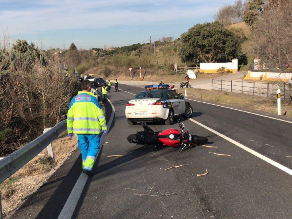 Muere un motorista en un accidente en la M-513