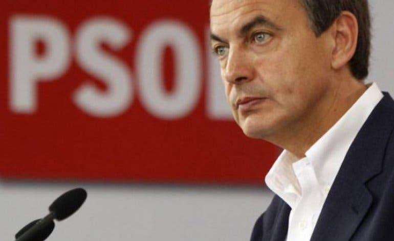 Zapatero arropa a la alcaldesa de Velilla como candidata a la reelección