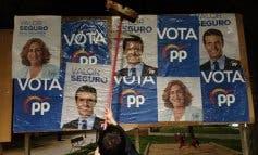 28-A: Así fue la pegada de carteles en el Corredor del Henares