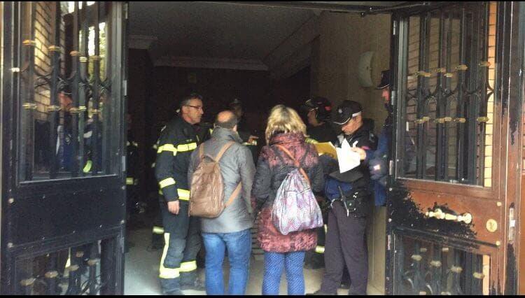 Decenas de familias sin poder entrar en sus casas tras la explosión de Vallecas