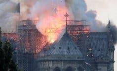 Todo el mundo pendiente del incendio de la catedral de Notre Dame