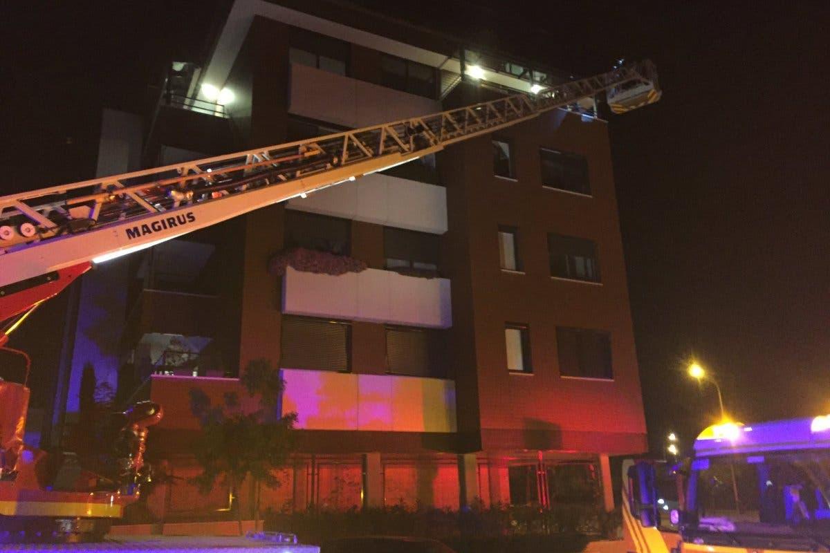 Un incendio en un piso en Madrid deja ocho heridos