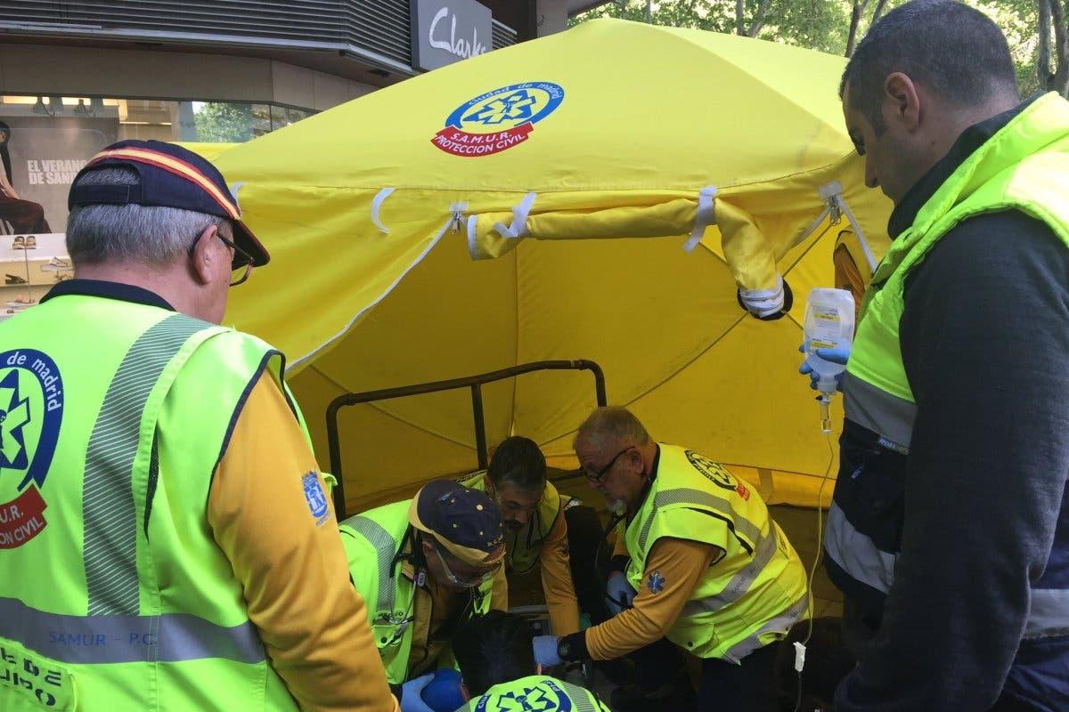 Muy grave una joven al ser atropellada por un autobús de la EMT