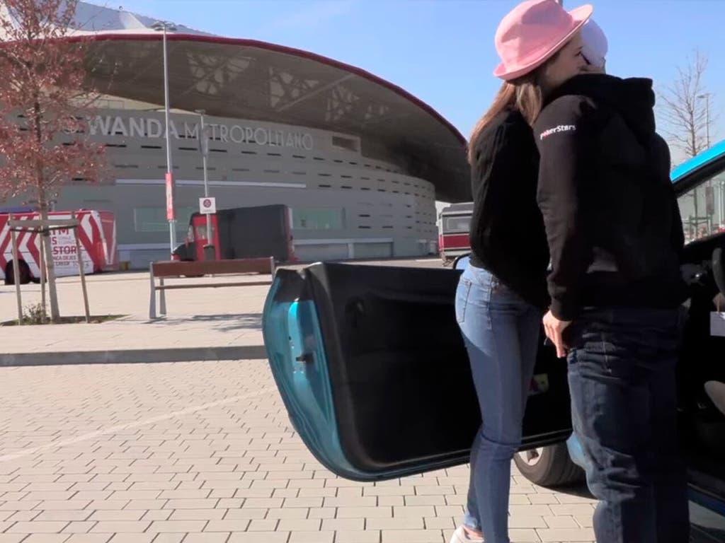 Torbe rueda una escena de cine para adultos frente al Wanda Metropolitano