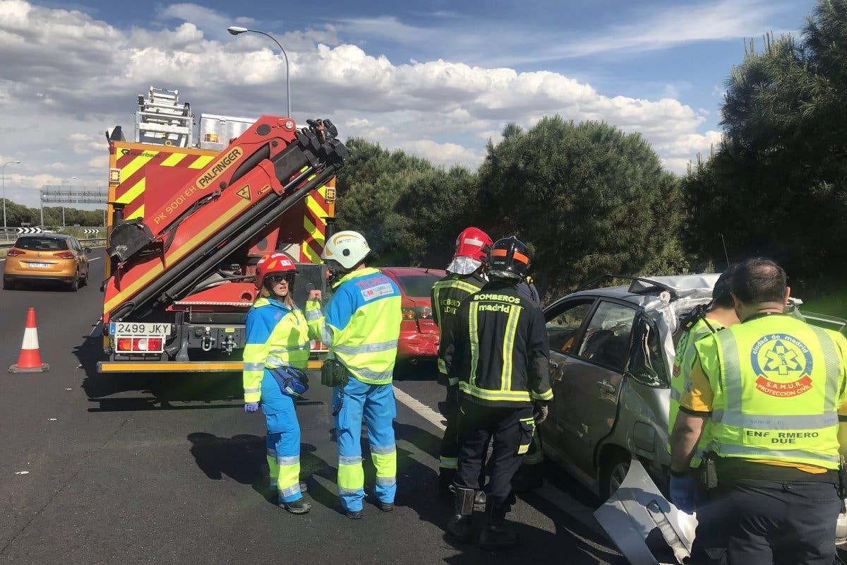 Accidente múltiple en la M-40 con díez vehículos implicados