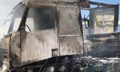 Arden 15 vehículos en un polígono de Loeches