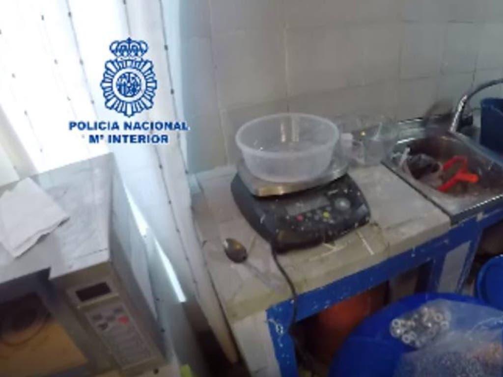 Desmantelada en Madrid la mayor red de fabricación de cocaína de España