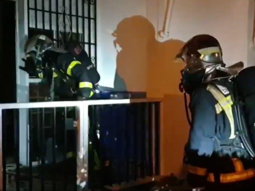 Un intoxicado en Coslada al incendiarse el local en el que pernoctaba