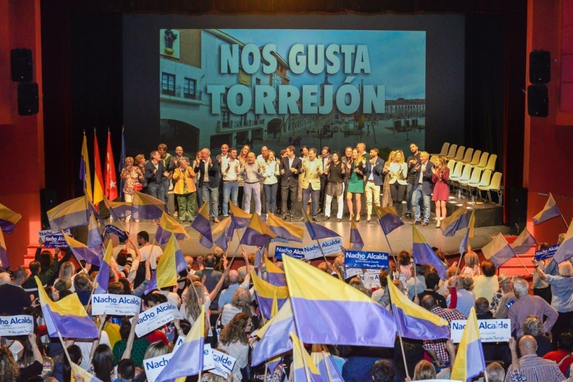 Multitudinario acto de presentación de la candidatura de Ignacio Vázquez en Torrejón