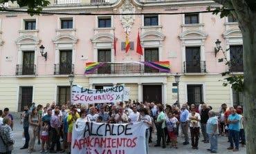 «Alcalde, aparcamientos ya»: vecinos de Alcalá de Henares en pie de guerra