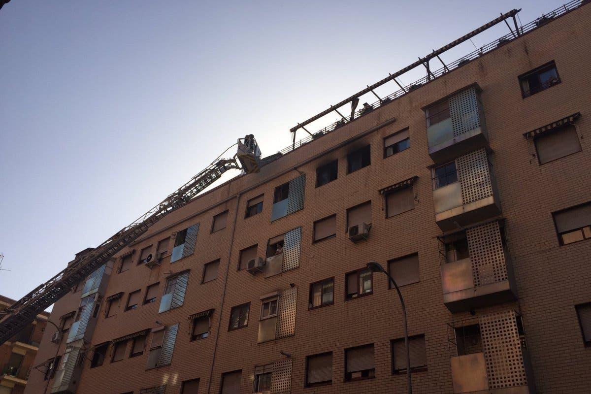 Herida grave un anciana en un incendio en Madrid