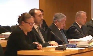 La auxiliar de Alcalá de Henares adelantó a su compañera que una paciente iba a morir