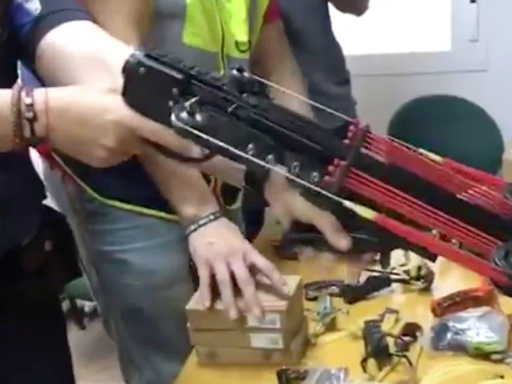Detenido por fabricar y vender armas prohibidas en un taller de Vallecas
