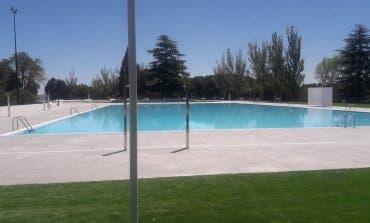 Agreden al vigilante de una piscina municipal de Vallecas