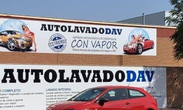 La Comunidad anuncia acciones para retirar el polémico cartel de Alcalá de Henares