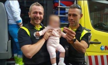 Dos policías salvan la vida a una bebé en Alcalá de Henares