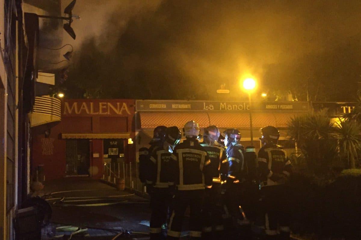 Un incendio calcinó un local de hostelería en Madrid