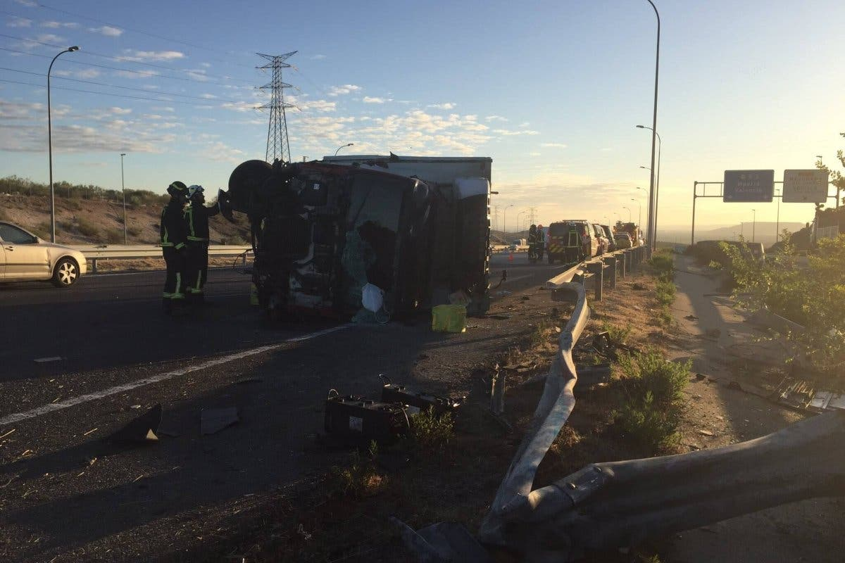 En estado crítico tras sufrir un accidente en la M-50