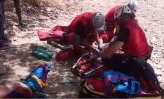 Un helicóptero del GERA rescata a un escalador herido en Patones