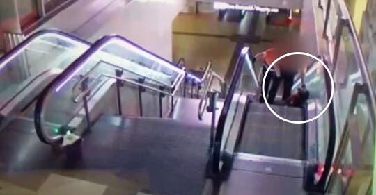 Investigan la agresión de dos vigilantes a un hombre negro en Avenida de América