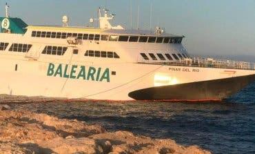 Un vecino de Alcalá de Henares y su hijo, entre los pasajeros del ferry encallado en Dénia