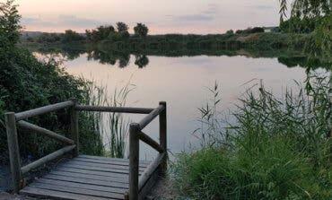 Identificados tres menores por bañarse en la laguna El Raso de Velilla