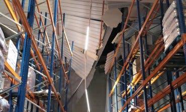 La tormenta derrumbó el techo de una nave en Cabanillas