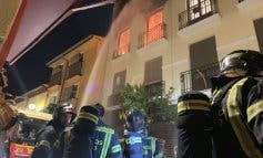 Tres heridos y dos perros muertos al incendiarse un piso okupado en Madrid